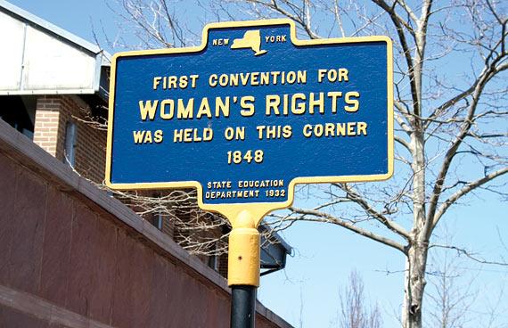 Placa da primeira convenção dos direitos das mulheres nos dias 19 e 20 de julho de 1848