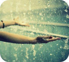 Cai chuvinha, na minha mão.